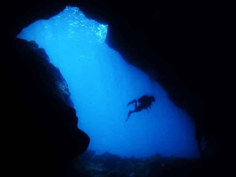 Cueva Diablo eingang el hierro tauchen marine reservat mar de las calmas