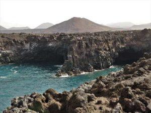 Los Hervideros Lanzarote Sehenswürdigkeiten fels küste klippen